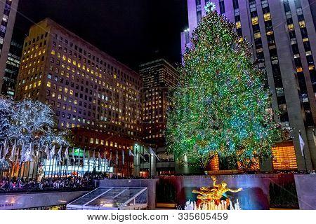 New York-december 7: The World Famous Rockefeller Christmas Tree And Surrounding Buildings On Decemb