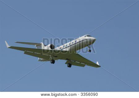 Gulfstream Business Jet On Short Final