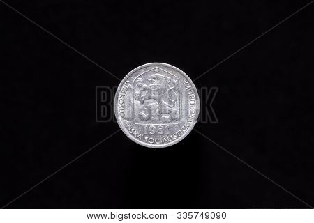 Czechoslovak Socialist Republic Old 10 Haleru, 10h Coin From 1981, Obverse Showing The Socialist Coa