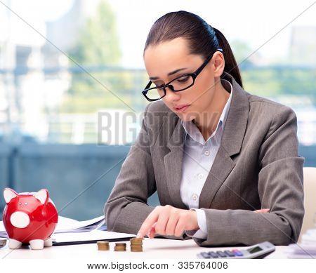 Bankrupt broke businesswoman with piggy bank