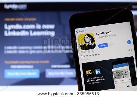 Los Angeles, California, Usa - 26 November 2019: Lynda.com Icon On Phone Screen With Logo On Blurry