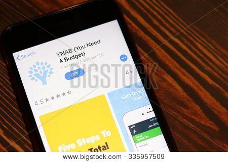 Los Angeles, California, Usa - 26 November 2019: Ynab App Store Page Close Up On Desk Top View, Illu