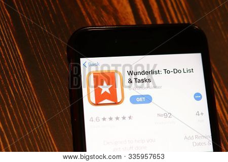 Los Angeles, California, Usa - 26 November 2019: Wunderlist App Store Page Close Up On Desk Top View