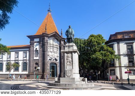Funchal, Madeira - August 20, 2019: This Is A Monument To The Discoverer Of Madeira, Juan Gonsalves