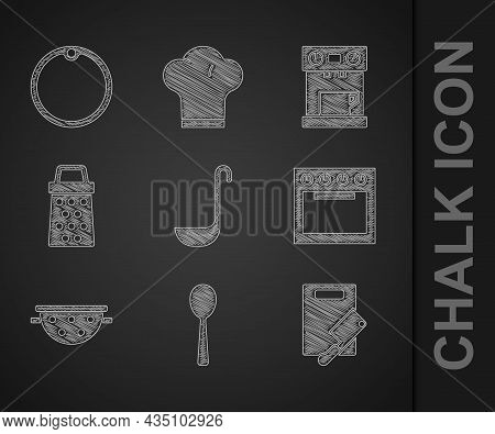 Set Kitchen Ladle, Spoon, Cutting Board And Meat Chopper, Oven, Colander, Grater, Coffee Machine And