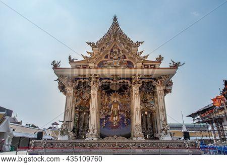 Bangkok, Thailand. Feb - 08, 2020 : Stucco Figure About Buddhism Around The Main Vihan Buddhist Temp