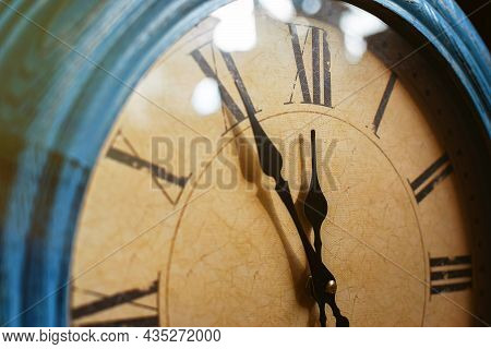 The Dial Of A Mechanical Watch That Shows The Time 11:55.new Year's Time