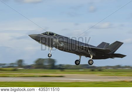 Leeuwarden Netherlands Oct. 4 2021 Weapon Instructor Course F-35 Lightning Ii Landing