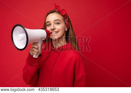 Photo Shot Of Beautiful Pretty Nice Positive Happy Smiling Dark Blonde Little Girl With Sincere Emot