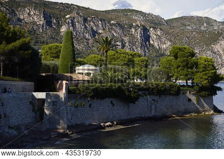Saint-jean-cap-ferrat (france), September 24, 2021. Houses On The Seafront. It Is A French Commune I