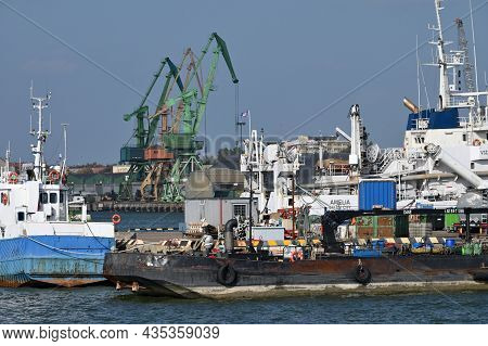 Klaipeda, Lithuania - October 02: Boats And Cranes At Klaipeda Sea Port At October 02, 2021 In Klaip