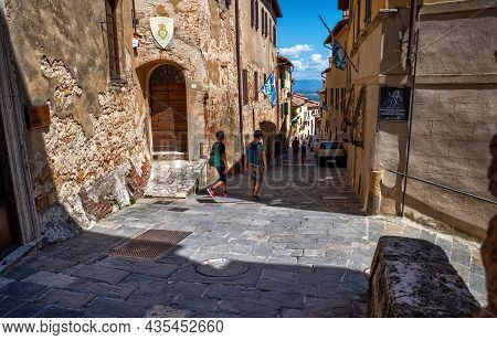 Montepulciano, Tuscany, Italy. August 2020. Stunning Urban Landscape With The Main Street Rising To