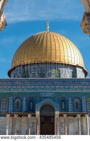 Dome Of The Rock Islamic Shrine On Temple Mount, Jerusalem, Israel