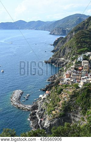 View On The Coast Of The 5 Terre And The Town Of Riomaggiore