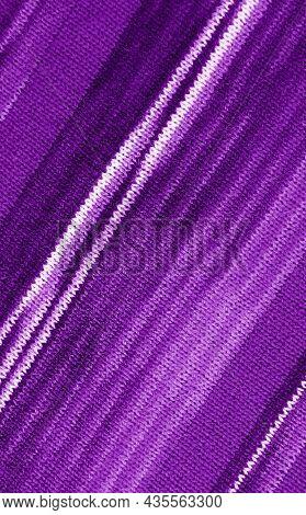 Diagonal Patterns Of Alpaca Knitted Wool Fabric In Gradient Purple Striped