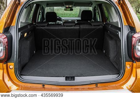 Huge, Clean And Empty Car Trunk In Interior Of A Modern Compact Suv. Rear View Of A Suv Car With Ope