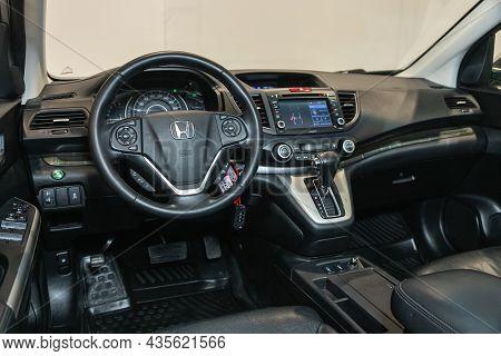 Novosibirsk, Russia - September 24, 2021:  Honda Cr-v,  Cockpit Interior Cabin Details, Speedometer