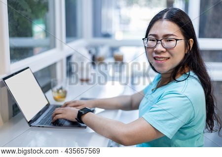 Freelance People Businessfemale Wearing Generic Design Smartwatch Working With Laptop Computer And S