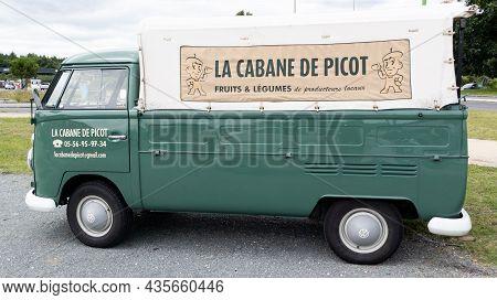 Bordeaux , Aquitaine  France - 09 20 2021 : Volkswagen Vintage Vw Pickup Truck Of Bus Auto Badge Of