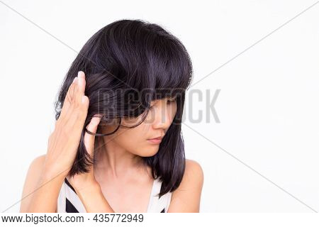 Woman Hair Massage With Vitamin E And Oil  For Prevent Hair Loss, Rough And Smooth Soft. Authentic S