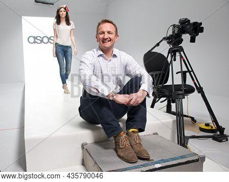 Nick Beighton Asos Ceo Leaves Online Fashion Company
