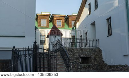 Old Building In The City. Historic House In Downtown. Traditional European Architecture. Heritahe Co