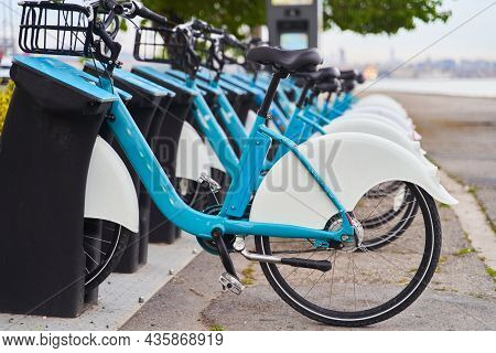 Bicycle Rental In The Center Of Istanbul. Bicycle Sharing. Bicycle Rental App. Rent Bikes