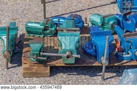 Various Size Cast Steel Anvils At Pallet Garage Equipment