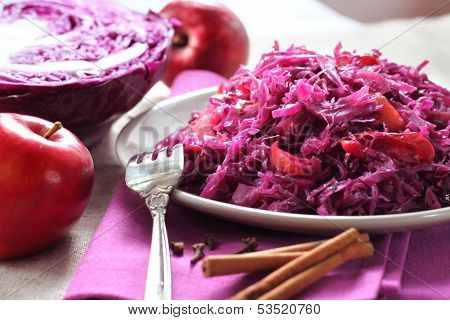 Spicy Red Cabbage Stewed With Apples And Cinnamon