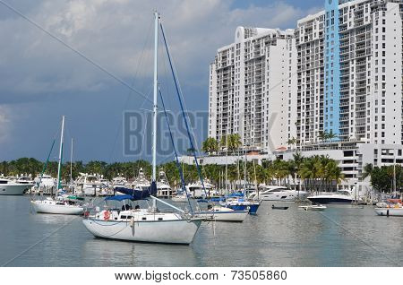 Live Aboard Sailboats