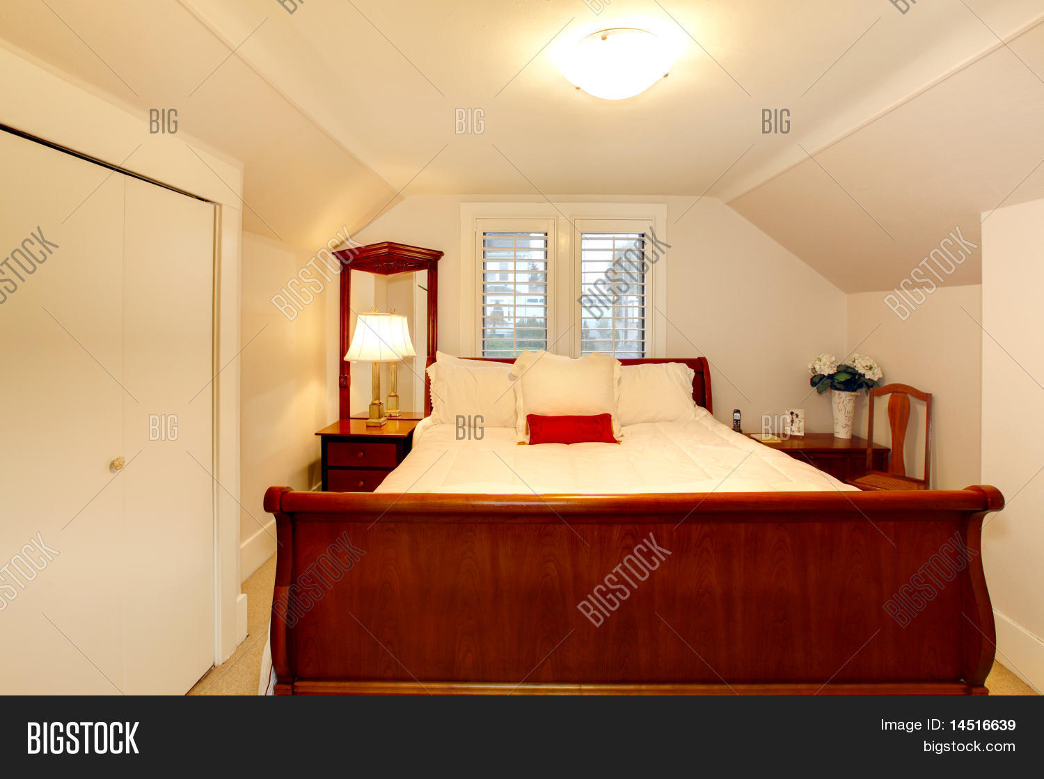 Small Bedroom Low Image & Photo (Free Trial) | Bigstock