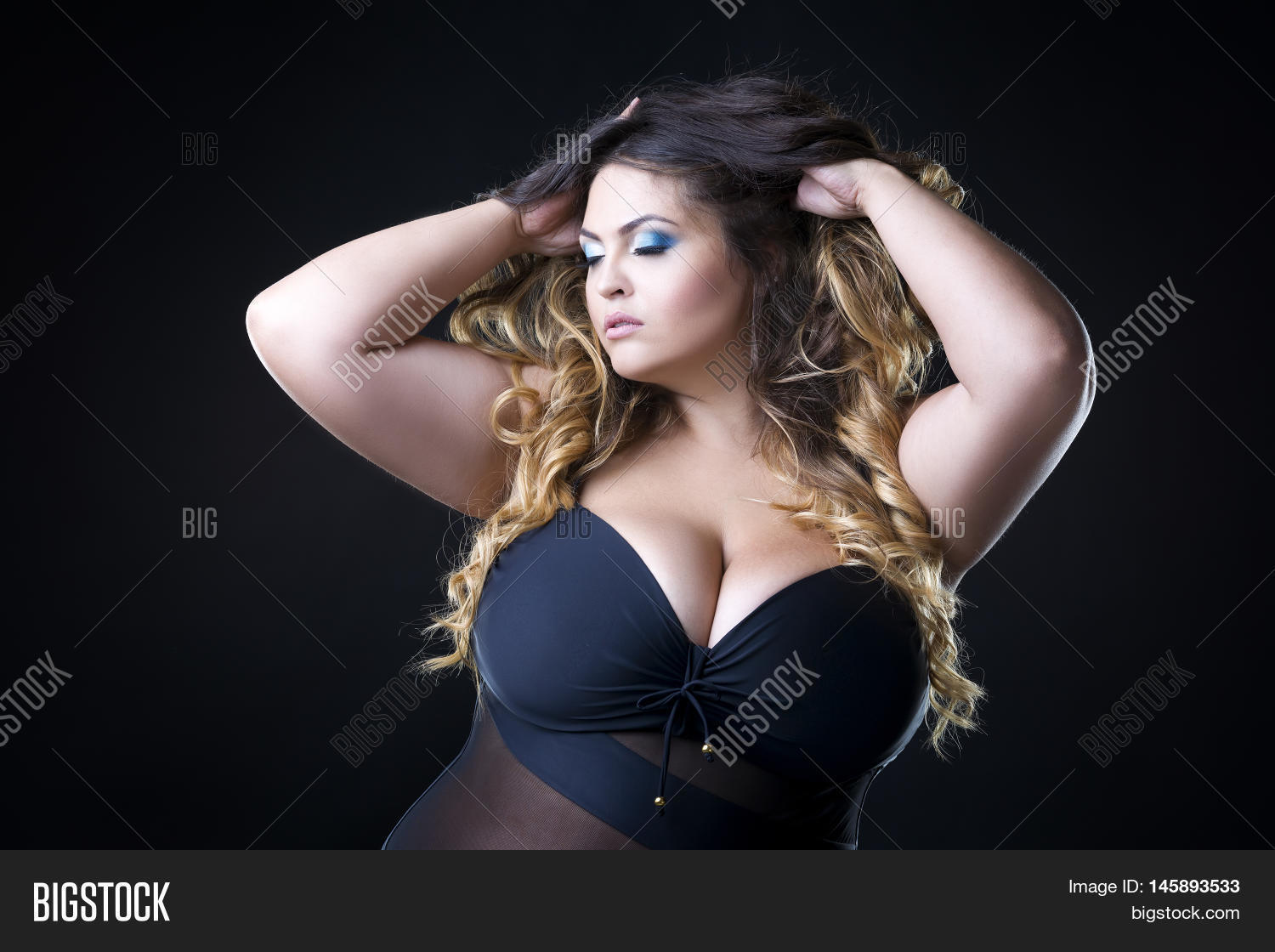 Big breast photo woman