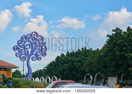Metal Blue Tree