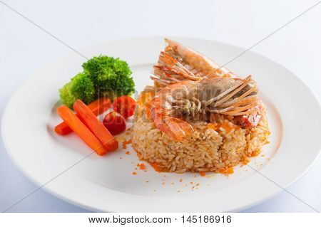 Modern thai style shrimp fried rice with river prawn in ceramic dish