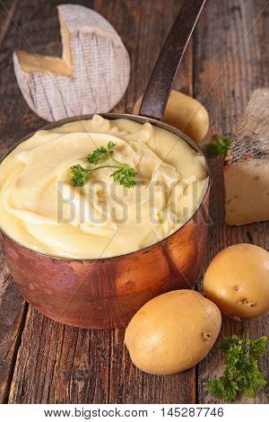 french gastronomy,aligot