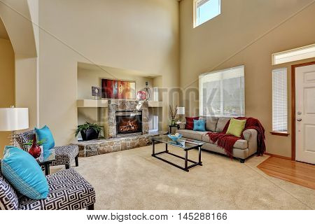 Cozy Luxury Family Room With High Ceiling And Entryway