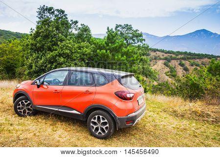 Orange Renault Kaptur Car