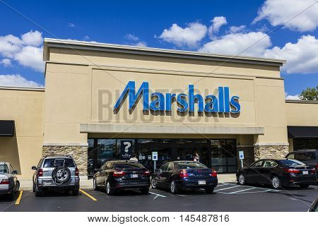 Indianapolis - Circa September 2016: Marshalls Retail Strip Mall Location. Marshalls Is A Subsidiary