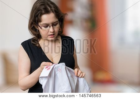 Young Jealousy Wife Found Red Lipstick Stains On White Shirt Of