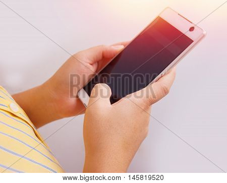 Women hand using mobile phone.using smart phone for business