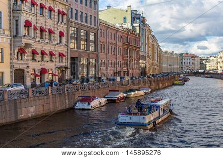 St.PETERSBURG, RUSSIA - AUG 31, 2016: The Moika river embankment (encircles the central portion of SPb) As of 2016 - 15 bridges cross the Moyka, most of these have historical and artistic interest.