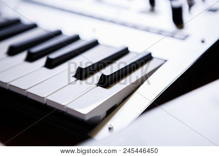 Professional Midi Keyboard For Electronic Music Composer