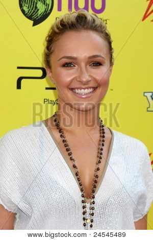 LOS ANGELES - OCT 22:  Hayden Panettiere arriving at the 2011 Variety Power of Youth Evemt at the Paramount Studios on October 22, 2011 in Los Angeles, CA
