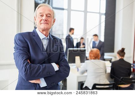Self confident senior as chief executive with experience