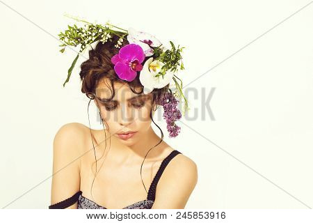 Floral Arrangement. Floral Hairstyle. Girl, With Stylish Makeup On Cute Face, And Natural Flowers In