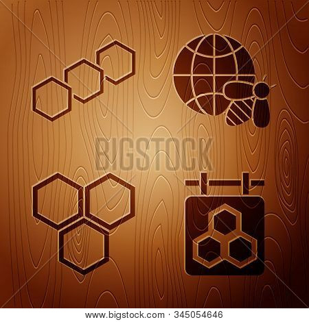Set Hanging Sign With Honeycomb, Honeycomb, Honeycomb And Honeycomb Map Of The World And Bee On Wood