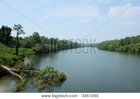 View Aong The River