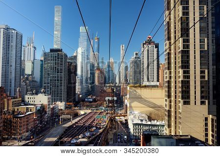 New York, Usa - December 23, 2019: Ed Koch Queensboro Bridge From Manhattan To Queens And Famous Roo