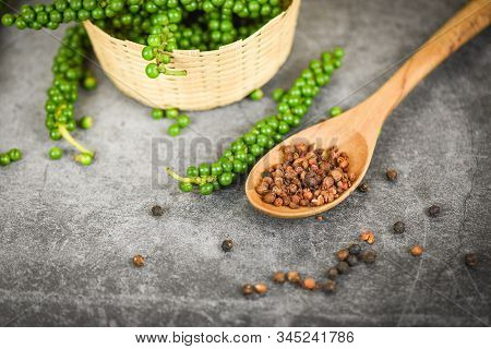 Peppercorns On Basket And Dark Background / Fresh Green Peppercorn And Black Pepper Seed For Ingredi