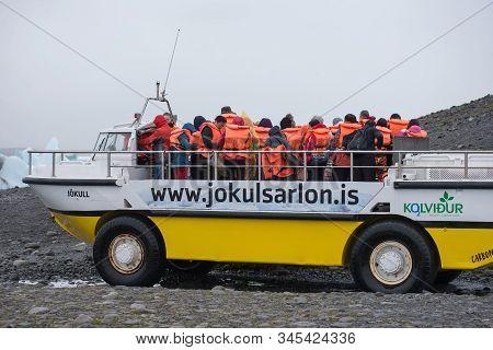 Amphibian Boat Trip In Jokulsarlon, Iceland